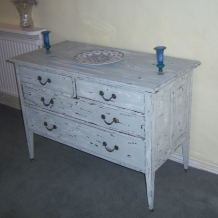 LARGE FRENCH STYLE SHABBY CHIC CHEST OF DRAWERS