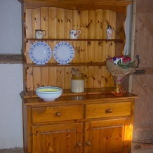 GOOD QUALITY SOLID PINE KITCHEN DRESSER