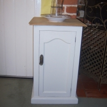AN ANTIQUE PINE POT CUPBOARD