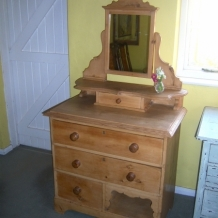 AN ADORABLE ANTIQUE DRESSING TABLE