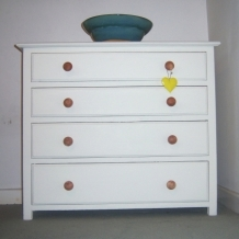 A VINTAGE OAK, PALE CREAM CHEST OF DRAWERS