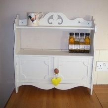 PALE CREAM CUPBOARD WITH SHELVES