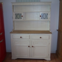 PALE CREAM DECORATIVE DRESSER