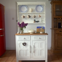 SOLID OAK VINTAGE PRIORY DRESSER