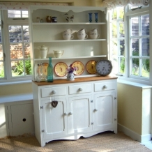 GORGEOUS PINE AND CREAM KITCHEN DRESSER