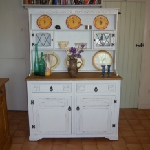 PAINTED DECORATIVE DRESSER