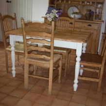 PINE AND CREAM DINING TABLE