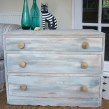 BEACH HUT INSPIRED CHEST OF DRAWERS
