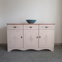 CREAM SHABBY CHIC SIDEBOARD