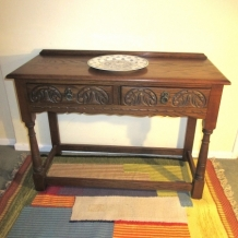 OLD CHARM, SOLID OAK CONSOLE TABLE