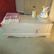 VERY LARGE SHABBY CHIC BLANKET CHEST