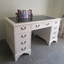 TWIN PEDESTAL, EIGHT DRAWER DESK