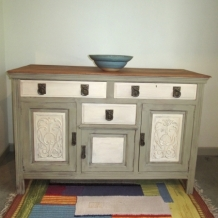 DECORATIVE ANTIQUE SHABBY CHIC SIDEBOARD