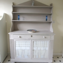 ANTIQUE SHABBY CHIC CHIFFONIER