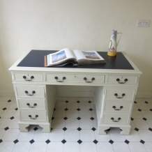 TWIN PEDESTAL, EIGHT DRAWER DESK - SABLE