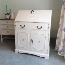 SHABBY CHIC DECORATIVE BUREAU
