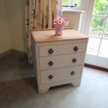 SHABBY CHIC LEBUS CHEST OF DRAWERS